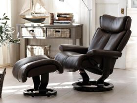 Stressless Magic Leather Chair with Classic Base by Ekornes