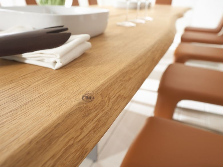 Malko curved dining table profile