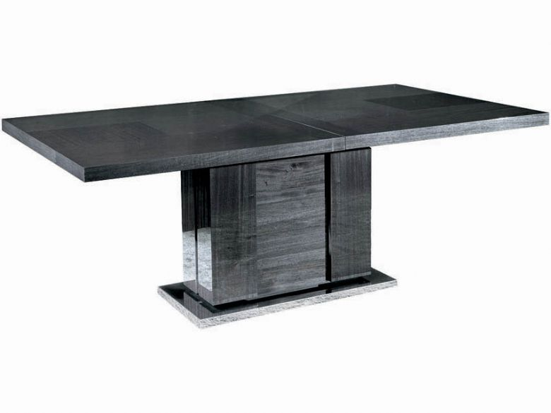 Medium extending table
