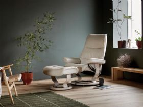 Stressless View Leather Chair with Classic Base