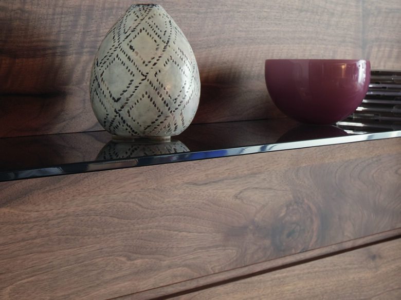 FE31 Wall Combination TV Unit Shelf Close Up