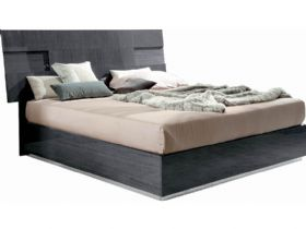 5'0 King Size Bedframe with Lights