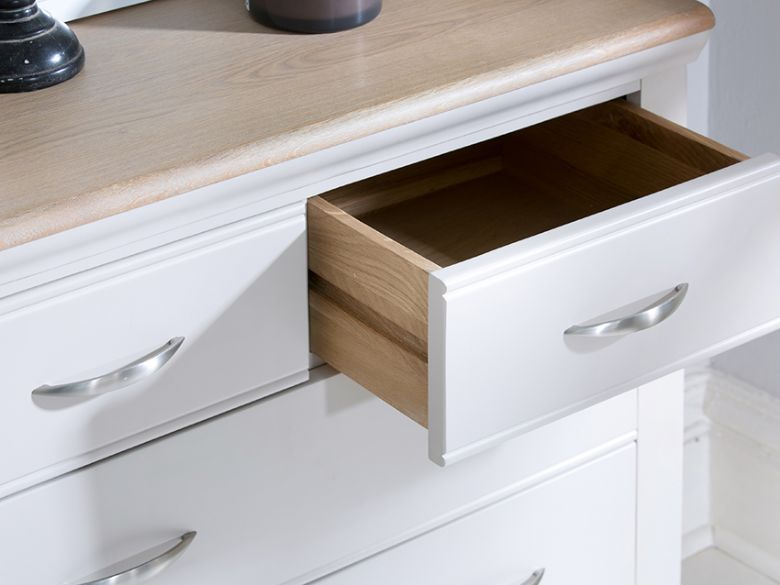 Montague drawer details