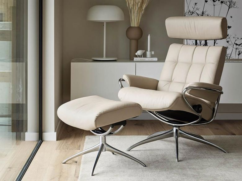 Stressless London Leather Chair with Adjustable Headrest in Paloma Light Grey