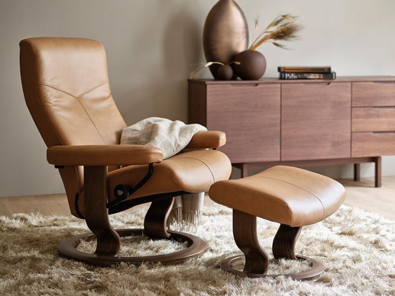 Stressless Dover Leather Chair with Classic Base
